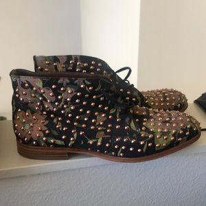 Studded floral print booties